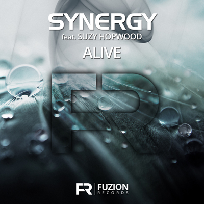 Synergy ft Suzy Hopwood - Alive (Single)